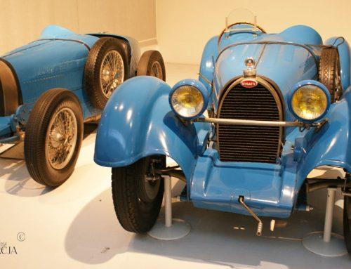 Cité de l'Automobile w Miluzie, największa prywatna kolekcja zabytkowych samochodów na świecie. Fotospacer.
